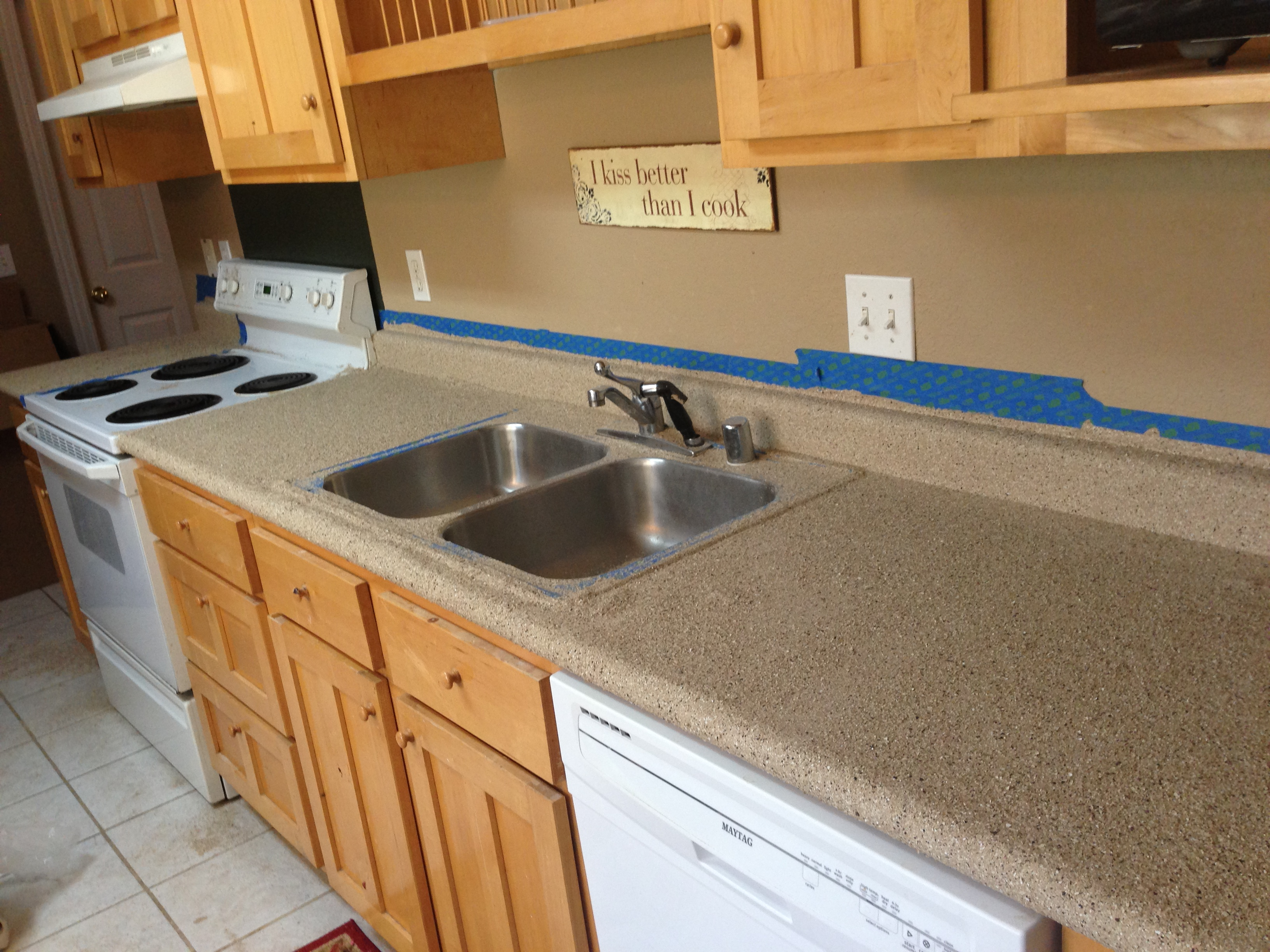 Rustoleum Countertop Paint How Long Between Coats : Kitchen & Wet Bar Countertop Makeover